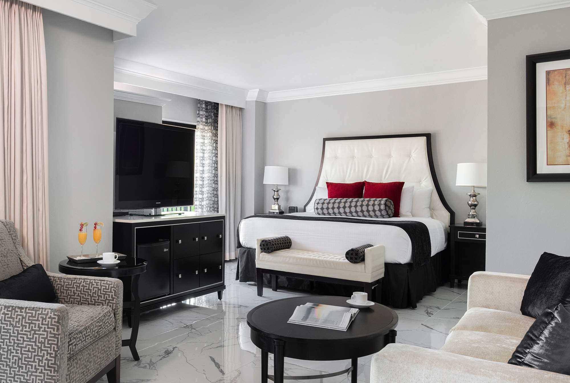 Rooms & Suites Image